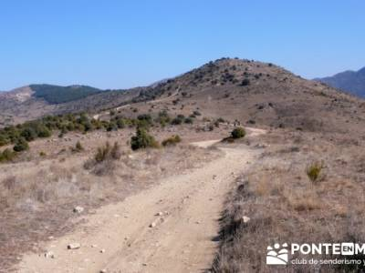 La sierra Oeste de Madrid. Puerto de la Cruz Verde, Robledo de Chavela, ermita de Navahonda. activid